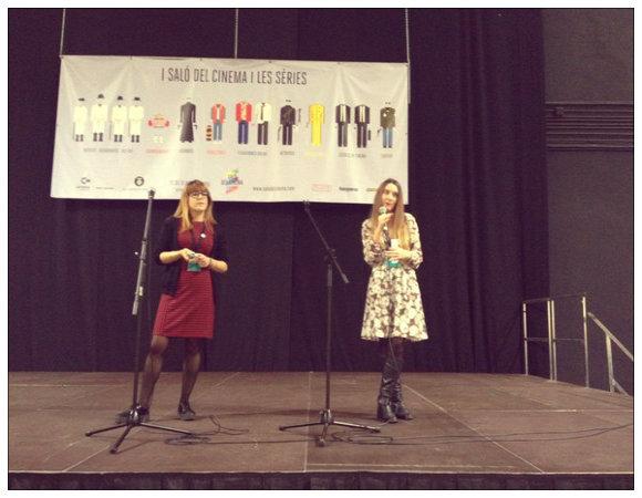 Jennifer Rey y María Abad, nuestras responsables de Comunicación y Marketing, presentando Uróboros en el pitching del Salón